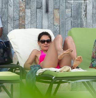 صور كاتي هولمز بالبكيني في ميامي