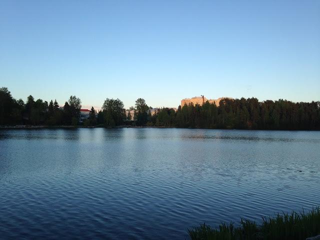 Valkeinen syksy maisema Kuopio