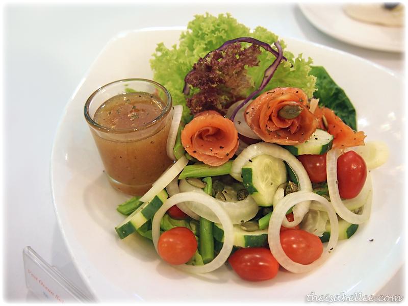 Vast ocea salmon salad at Signature Cafearo