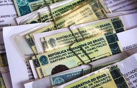 Justiça manda Detran/RN indenizar cidadã por erro em carteira nacional de habilitação