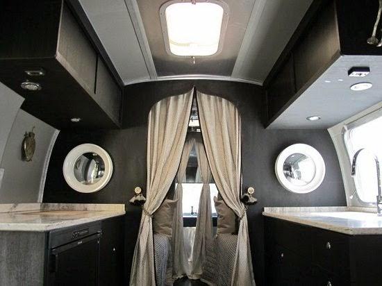 Icono interiorismo glamping glamour y camping en una renovada caravana airstream - Decoracion interior caravanas ...