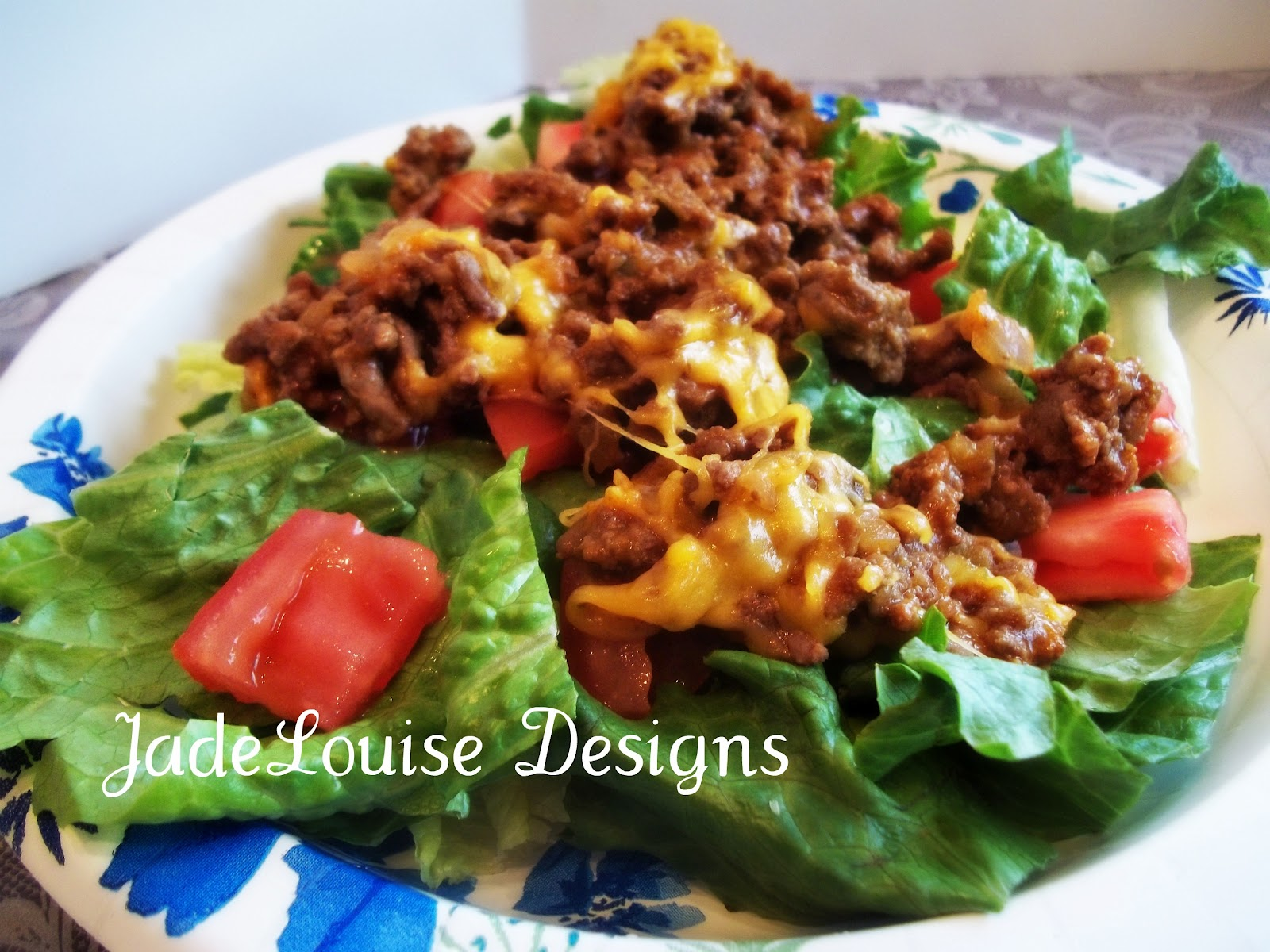 Deluxe Cheeseburger Salad Recipe, All The Taste But Without ...