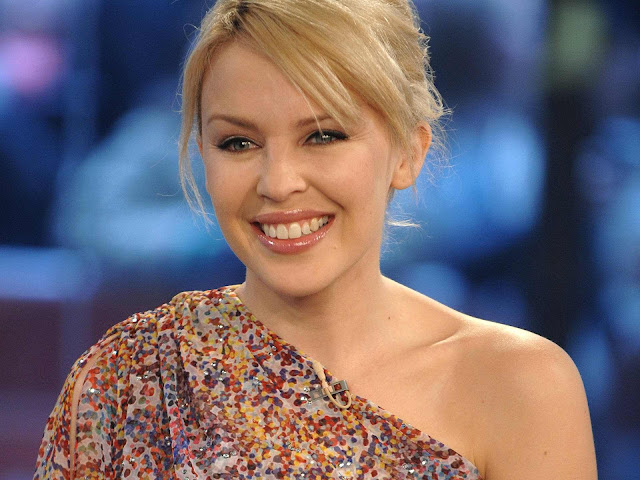 Kylie Minogue Biography and Photos 2011