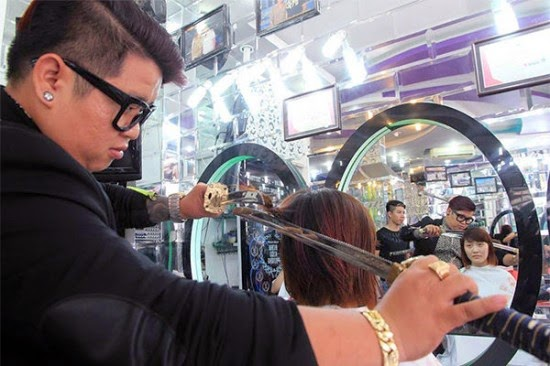 Vietnamese Hairdresser Cuts Hair with Samurai Swords