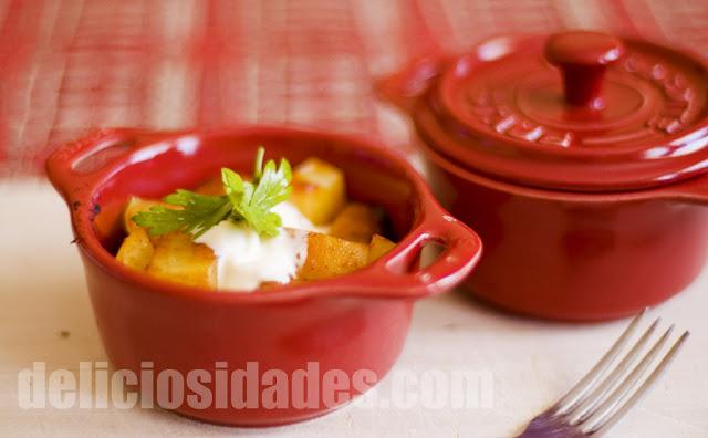 Cocotte de patatas al curry masala con crema agria