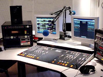الدرس تقوم بإنشاء راديو وإضافته صفحتك الفيسبوك موقعك,بوابة 2013 estudio_radio.jpg