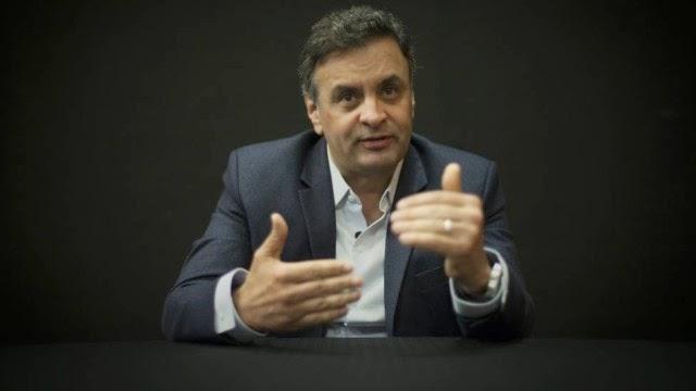 Aécio Neves ataca Dilma e alfineta Marina