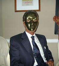 El hombre de la máscara