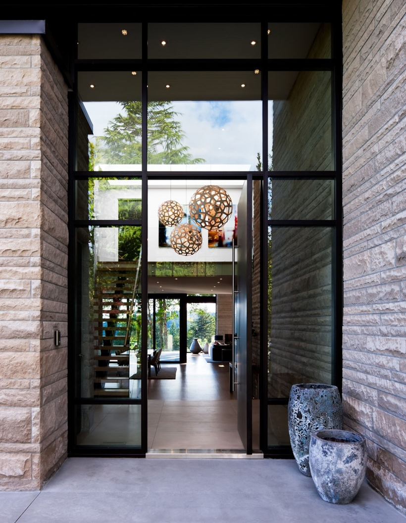 Entrance of Elegant modern house in west Vancouver, Canada