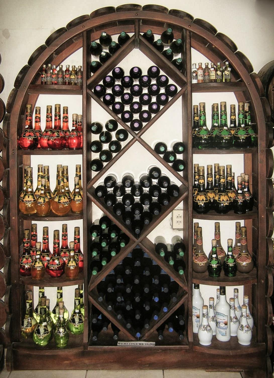 ARTEZZINI Arte em Madeira: Móveis para Adega em Loja de Vinhos #A0332B 1091x1505