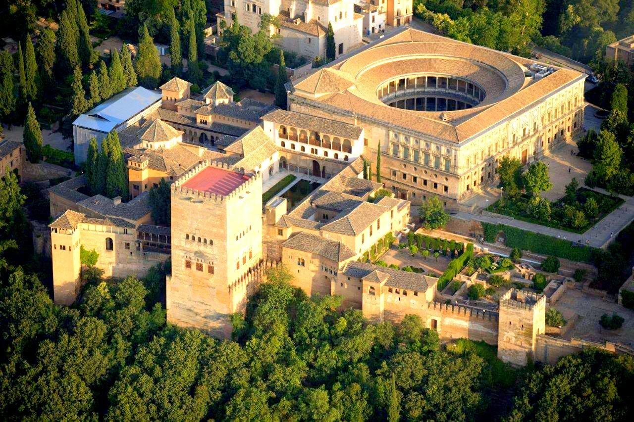Lugar sagrado la alhambra granada andaluc a espa a for La casa de granada en madrid