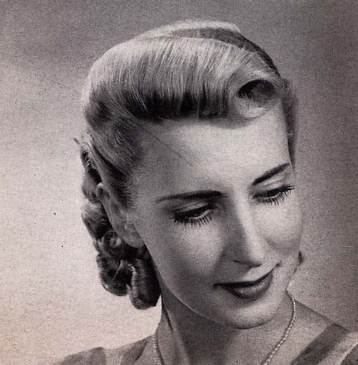 1940s Hairstyle for Older Women