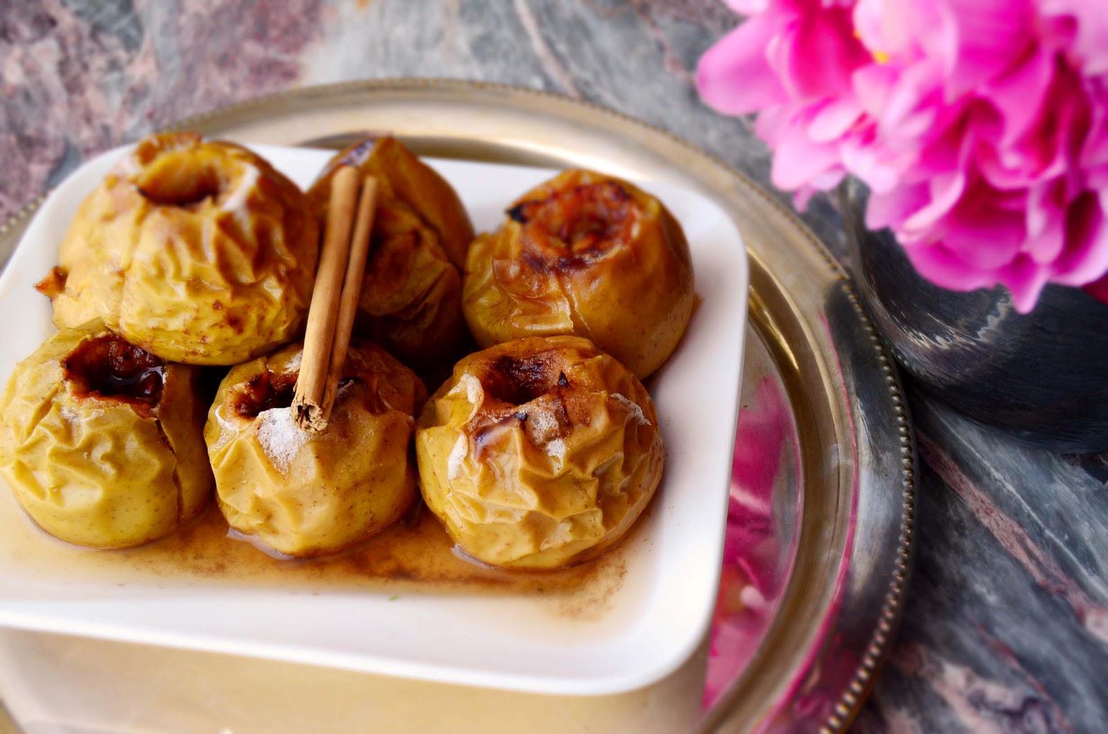 Печеные яблоки в духовке с корицей рецепт пошагово