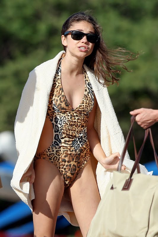 Photo Gallery » American Actress Sarah Hyland