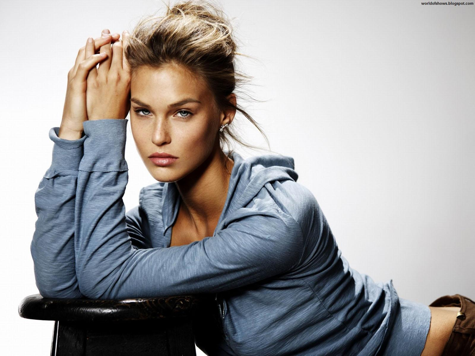 http://3.bp.blogspot.com/-8YY4fbOhIe8/UA_Vq5ldAVI/AAAAAAAAG7c/saXkD8k3_z0/s1600/Bar_Refaeli_Sexy_Israeli_Model_And_Actress_Blonde_Bomb_Sports_Illustrated_Hd_Desktop_Wallpaper_worldofshows.blogspot.com.jpg