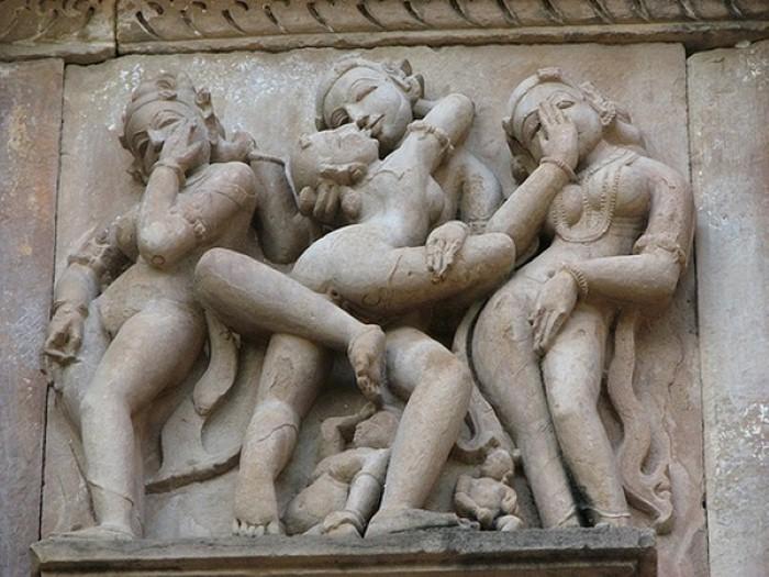 indiya-eroticheskaya-kadzhuraho