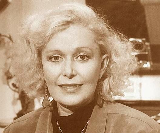 Irma Lozano Nude Photos 40
