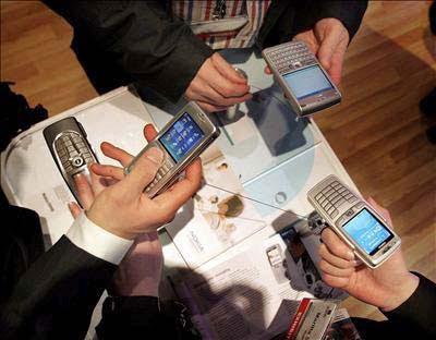 Usos y abusos del teléfono móvil, por Olga Casal