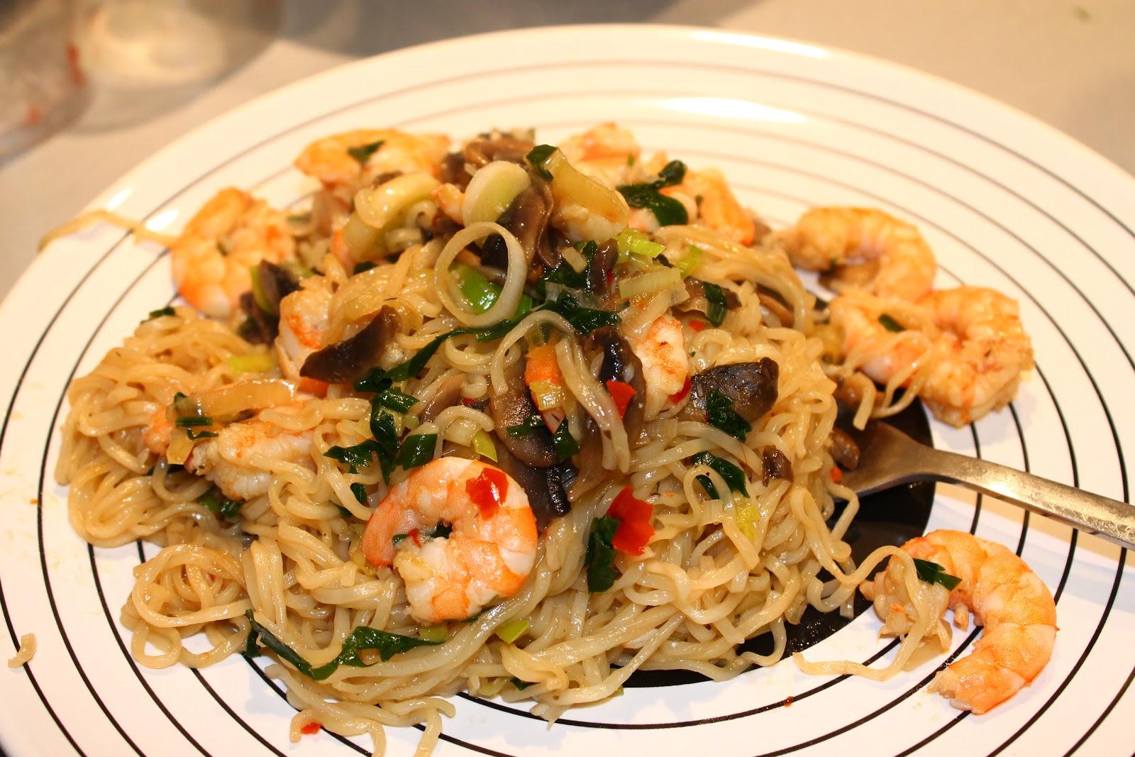 Crevettes et champignons sauce piquante