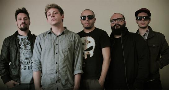 O videoclipe foi gravado no Casarão do Chá (Mogi das Cruzes/SP). Produção será liberada oficialmente para os fãs no Youtube, dia 25 de agosto (Foto: Divulgação)