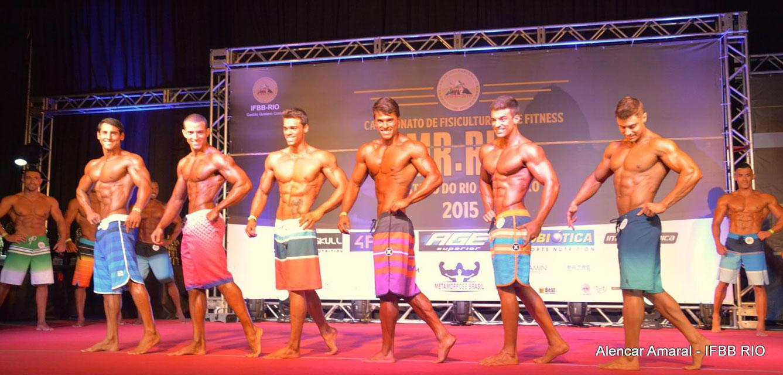 Ivo Toledo se apresenta ao lado de outros atletas da mesma categoria. Foto: Alencar Amaral