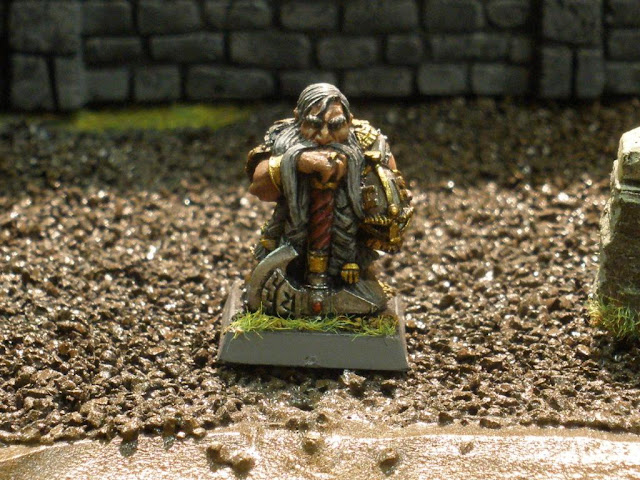 Citadel Dwarf OOP miniature photo