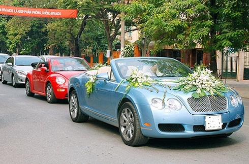 Xe cưới mui trần Bentley Continental GTC