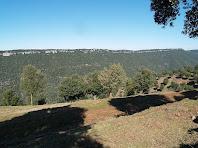 La Serra de l'Arca vista baixant cap a la Codina