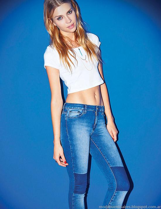 Moda jeans con recortes. Moda 2015, Cuesta Blanca.