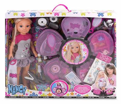 TOYS : JUGUETES - NANCY - Salón de trenzas Muñeca + accesorios Producto Oficial 2015 | Famosa 700012423 | A partir de 4 años Comprar en Amazon España