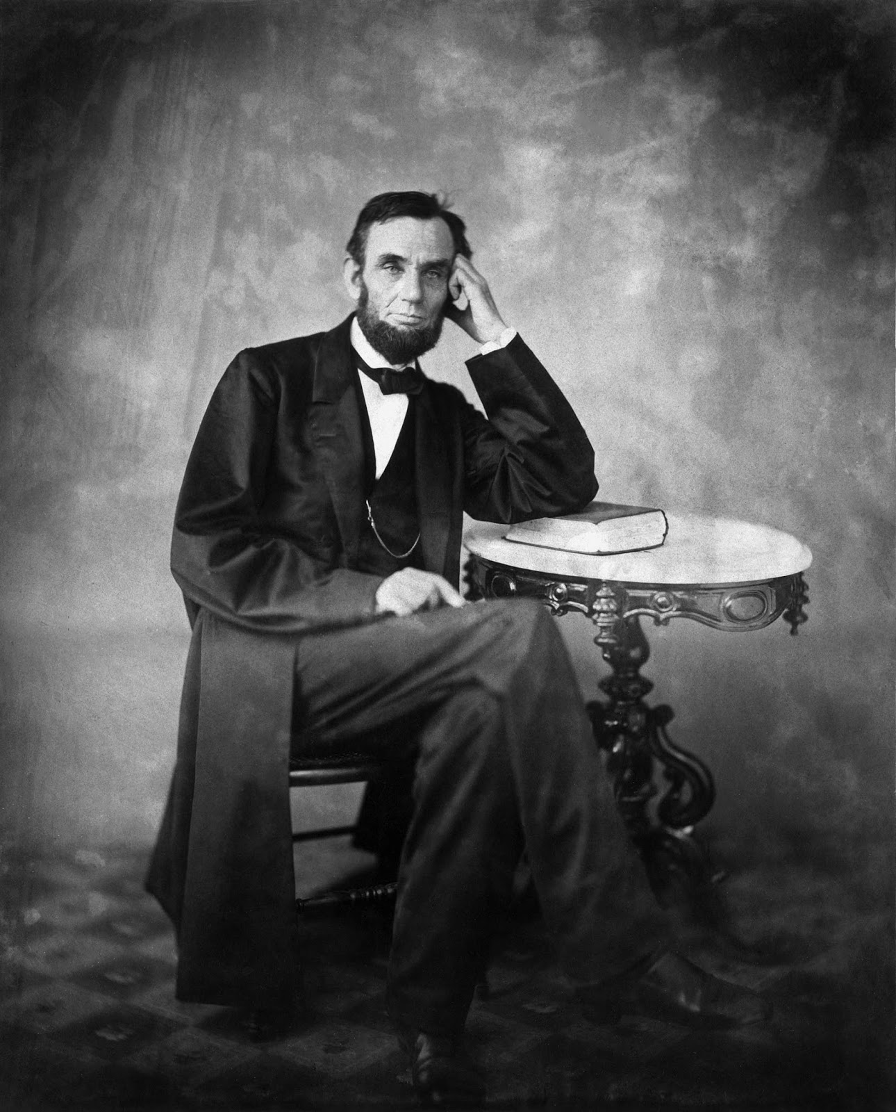 abraham lincoln in the civil war The civil war of america was a major conflict in american history, the president at the time abraham lincoln was on the front of the war, he was the face of the nation no doubt to be in.