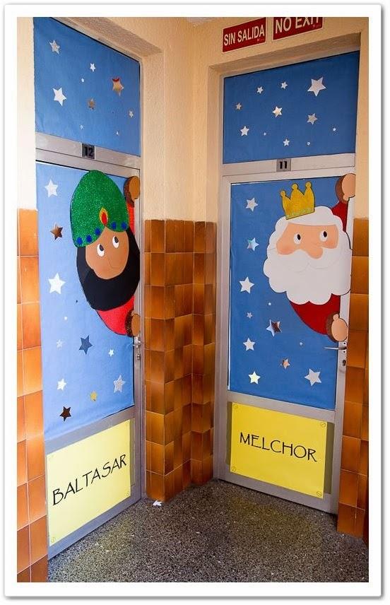 Manga por hombro puertas decoradas for Puertas decoradas navidad material reciclable