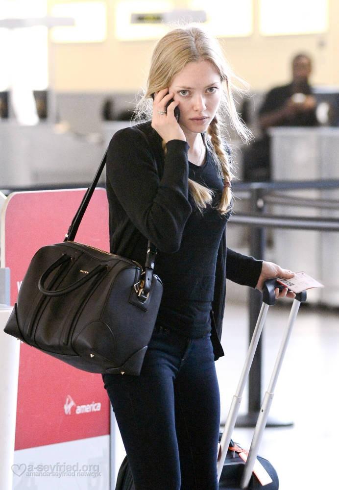 Tinseltown Style: I'm Lovin': Amanda Seyfried's Bags