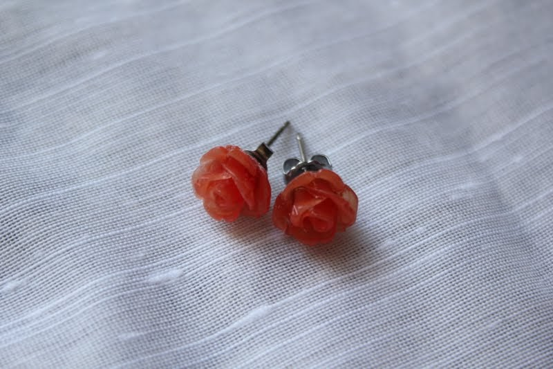 RisC Handmade: Earring Tips for Those with Sensitive Ears