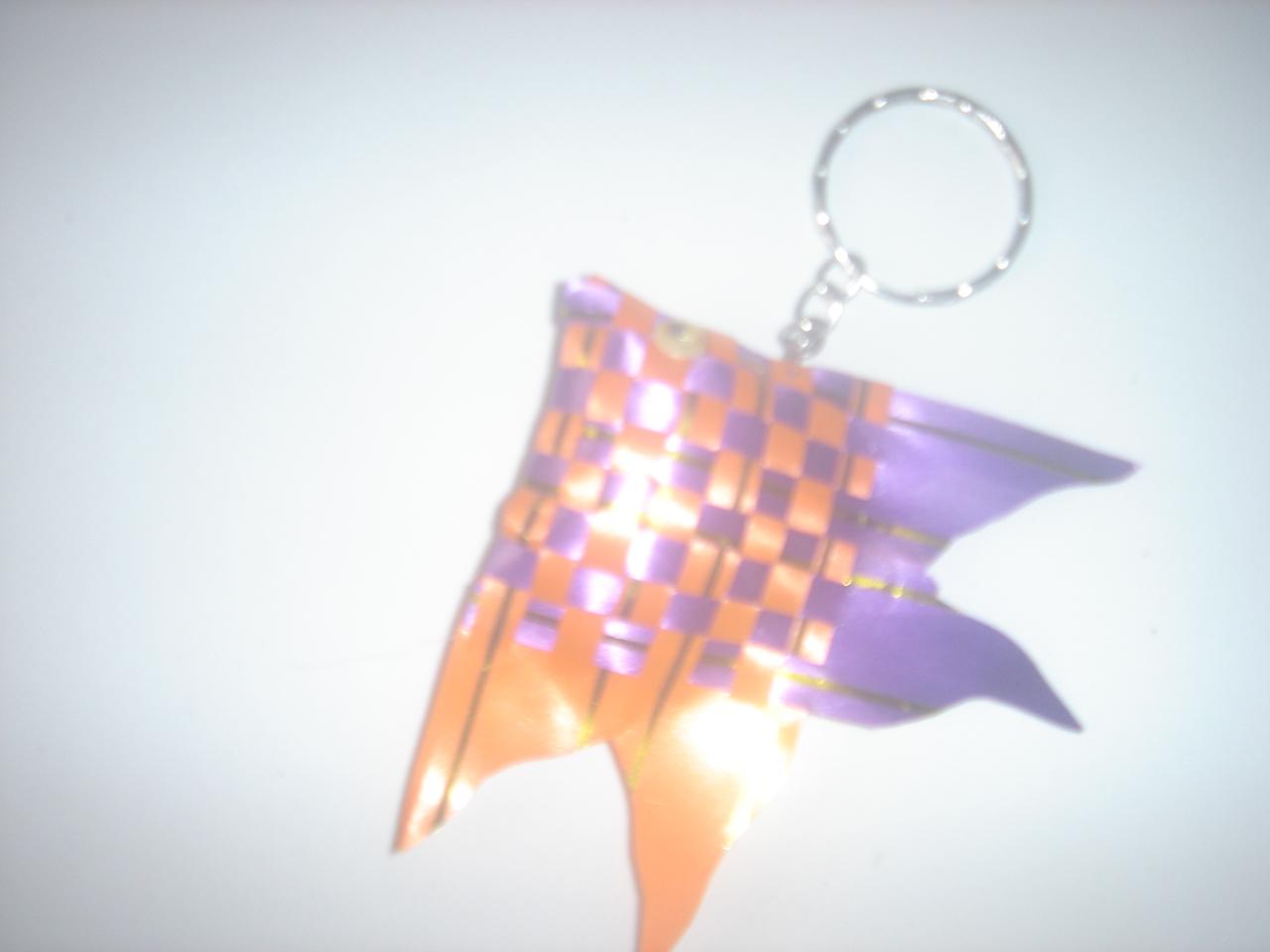 Anyaman Ikan Terbuat Dari Kertas Pita Yang Anyam Menyerupai