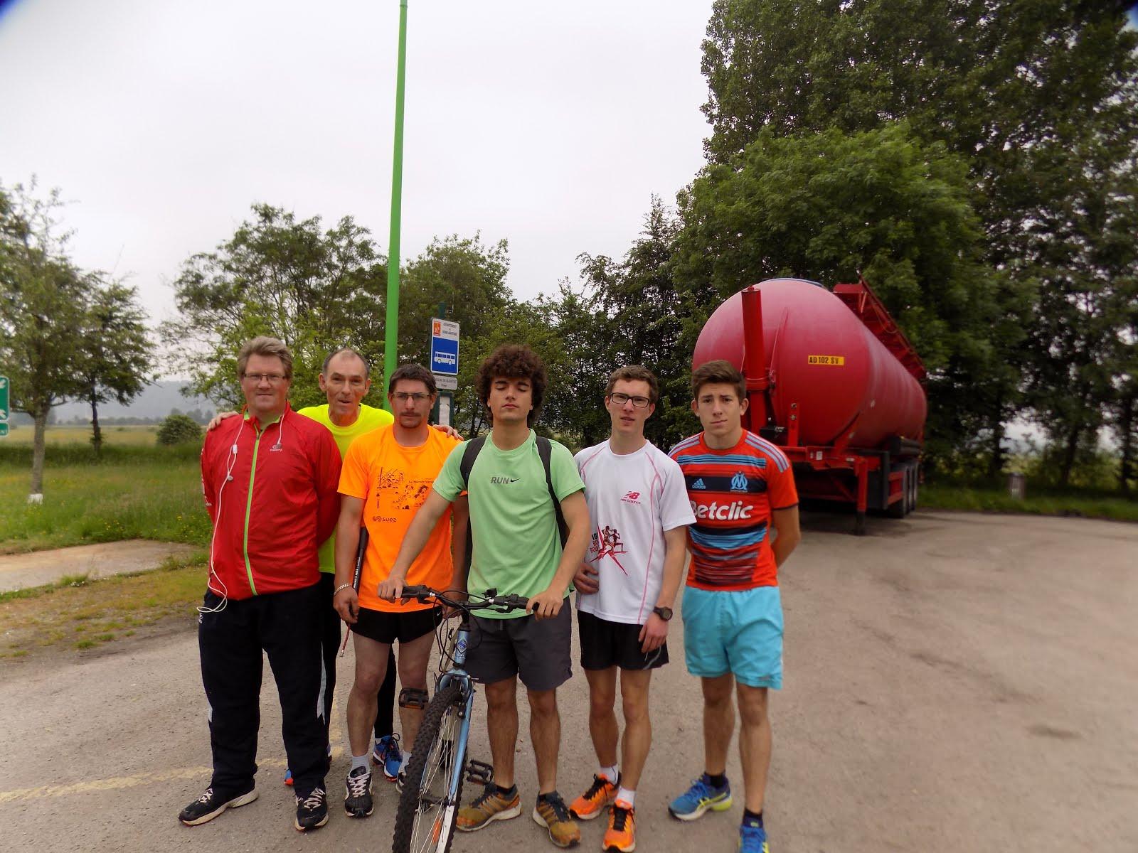 dimanche matin,sortie pour certains athlétes du pont de brotonne à yvetot(16km)