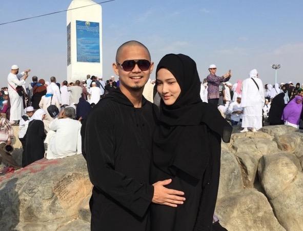 Hairul Azreen umum Hanis Zalikha mengandung