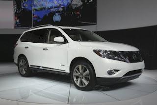 Nissan returns to hybrid electric