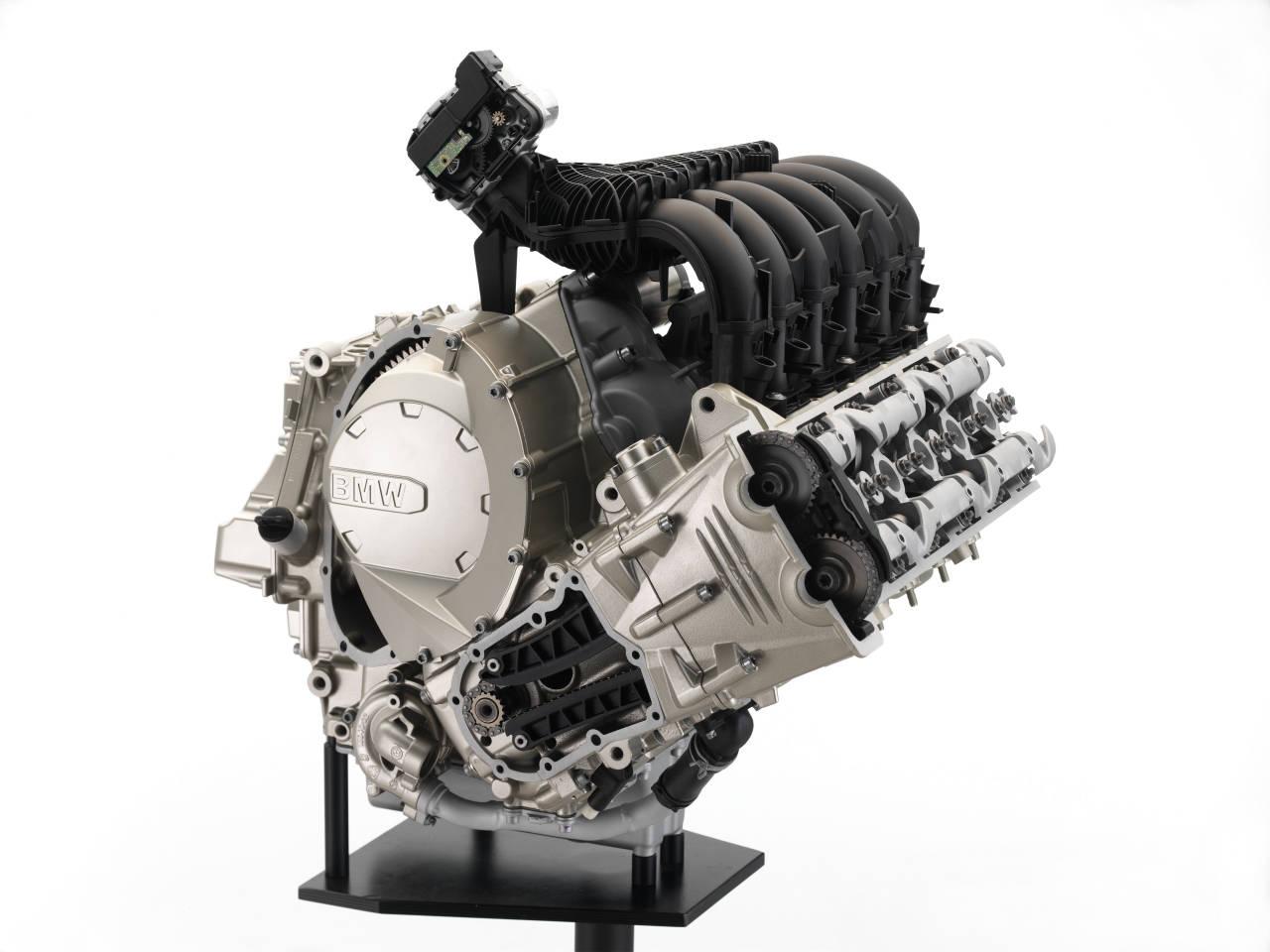 2012-BMW-K1600GT-5.jpg