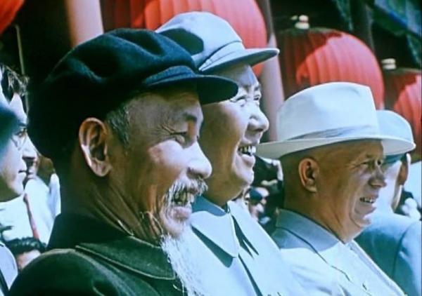 http://3.bp.blogspot.com/-8aYDSEFW_iA/VrKqEO58bMI/AAAAAAAB9Pk/lvaNy8GQBas/s1600/hochiminh-mao-khruchev.jpg