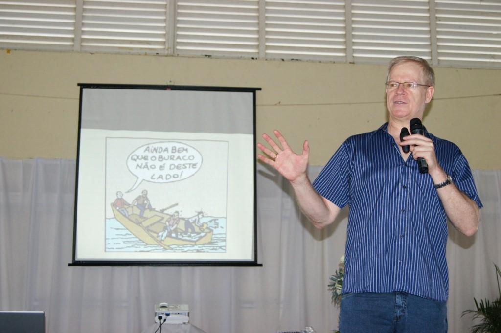 O professor Marcos Meier fala sobre indisciplina na escola para pais e responsáveis