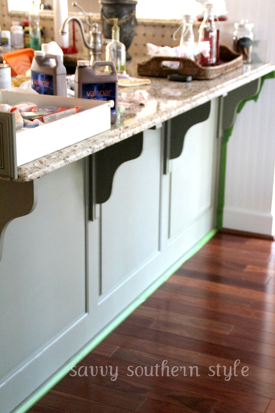 Savvy Southern Style : Kitchen Cabinets Tutorial