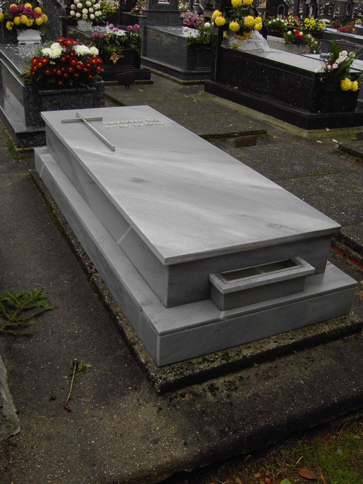 Lapida jpg for Lapidas de marmol