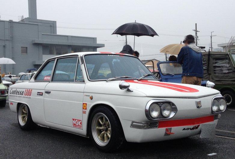 Hino Contessa 1300, japońskie sportowe coupe, stary samochód, klasyczny, Japonia, galeria