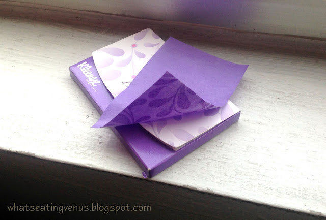 kleenex oil blotter review, cure for oily skin, best facial oil blotter, home remedy to oily skin, best facial oil control film