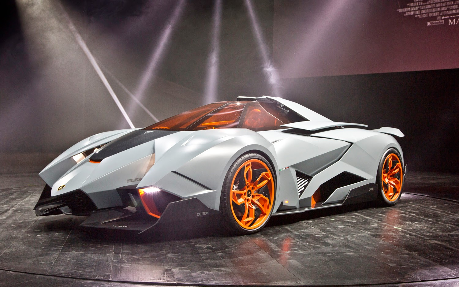 Attractive Also If You Want This Car You Should Get It There Are Lot S Of Types Of  Lambos Like The Veneno Or The Alventero The Spyder And Lots More