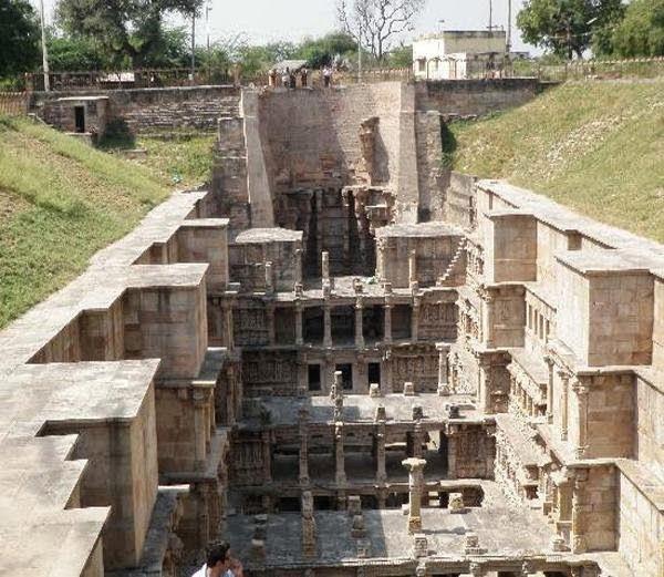 2-रानी का कुआं (Rani ki Vav, Gujarat)