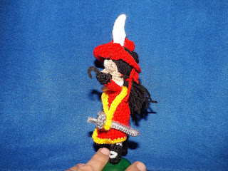 captain hook amigurumi