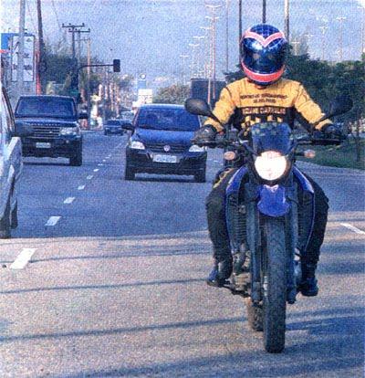 Motociclistas devem circular com faróis acesos até durante o dia