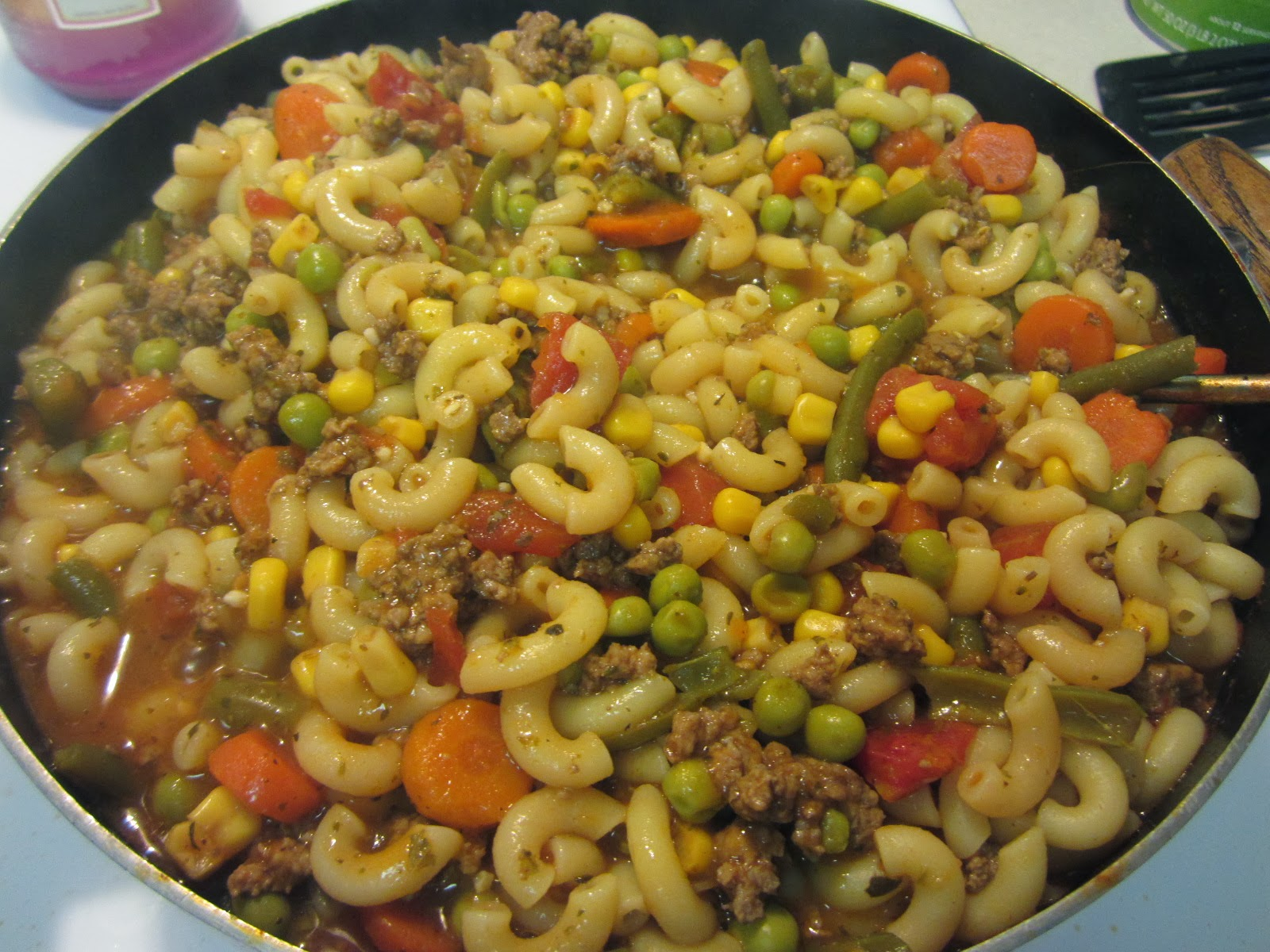 twocraftingmoms: Ground Beef and Vegetable Soup